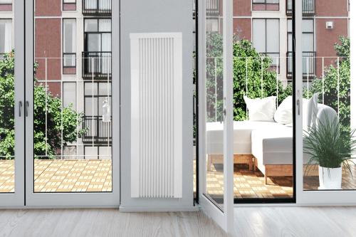 Flächenspeicherheizung areo smart ab zwischen Türen