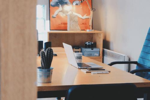 Konvektor im Arbeitszimmer