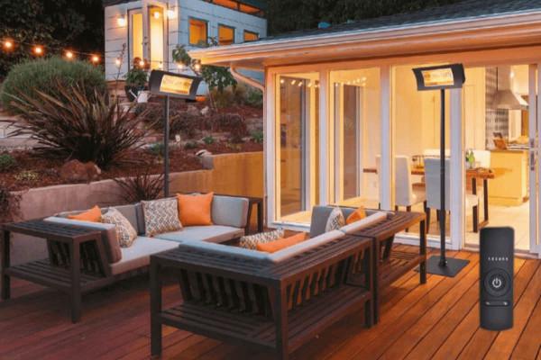Terrassenstrahler Komplett-Set schwarz auf Terrasse